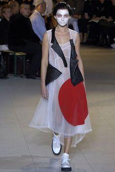 Comme des Garçons Spring 2007 Ready-to-Wear Fashion Show - Polina Gureeva (NATHALIE)