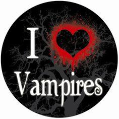 I love vampire movies. Vampire Love, Vampire Girls, Vampire Art, Vampire Diaries Seasons, Vampire Diaries The Originals, Dracula, Lestat And Louis, Vampire Quotes, Desenhos Halloween
