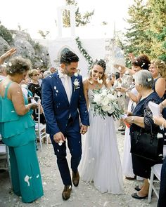 "de751fbcdbc94 Wedding Chicks® on Instagram: ""Hailing all the way from New York, Anna and  Nick opted for a romantic destination wedding with a classic Greek vibe in  the ..."