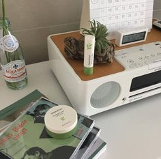 music, green et inspo image sur We Heart It Aesthetic Themes, Aesthetic Pictures, Aesthetic Bedroom, Aesthetic Makeup, Princesa Punk, Pallet, Green Theme, My Favorite Color, Favorite Things