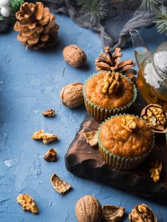 Succumb to these delicious chocolate chip, nut and cinnamon muffins! Diet Recipes, Cooking Recipes, Cinnamon Muffins, 20 Min, Delicious Chocolate, Cravings, Biscuits, Sweet Tooth, Food And Drink