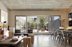 Industrial Apartment in Barcelona Unveils Its Dynamic Character - http://freshome.com/industrial-apartment-Barcelona/