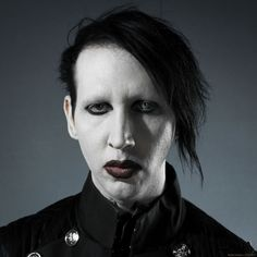 marilyn manson 2002 | Marilyn-Manson-marilyn-manson-29937091-1280-1280