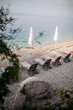 Das TUI BLUE Jadran ist dank seines idyllischen Standortes inmitten eines Pinienwaldes und der direkten Strandlage besonders geeignet für Erholungssuchende und Paare. (@herz.und.blut)