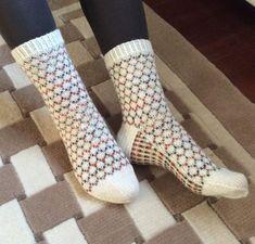 Wool Socks, Handicraft, Knit Crochet, Slippers, Knitting, Knits, Crocheting, Diy, Fashion