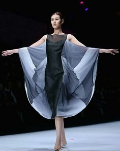 China Fashion Week #ConGuantesySombrero   #fashion #style #look #instagood #like #designers #collections