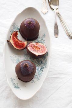 Raw chocolate figs recipe is now in the blog / Raakasuklaaviikunat by Karita Tykkä