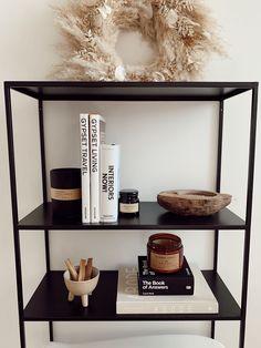 Vintage Home Decor Modern boho bookshelf styling Black Bookshelf, Bookshelf Styling, Bookshelf Diy, Decor Room, Living Room Decor, Living Room Storage, Room Decorations, Kitchen Storage, Art Decor
