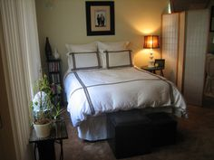 80+ Stunning Small Apartment Bedroom Ideas Everyone Will Love http://homecemoro.com/80-stunning-small-apartment-bedroom-ideas-everyone-will-love/