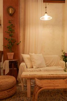 큐플레이스 :: 상가 인테리어 비교견적 서비스 Coffee Shop Interior Design, Salon Interior Design, Best Interior, Small Cafe Design, Pastel Decor, Minimalist Decor, Room Decor, House Design, Sweet Home