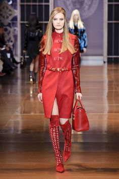See the best looks from the Milan runways: Versace.