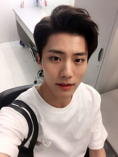 Hair men korean hairstyles ulzzang boy ideas for 2019 Boys Korean, Korean Boys Ulzzang, Cute Korean, Ulzzang Boy, Asian Boys, Asian Men, Cute Asian Guys, Cute Guys, Korean Boy Hairstyle