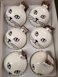 Eeeee could easily make with white baubles and sharpie pen
