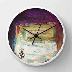Om abstract Wall Clock