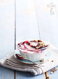 Yoghurt & Blåbærsaus & Mandler - Se flere spennende yoghurtvarianter på yoghurt.no - Et inspirasjonsmagasin for yoghurt.