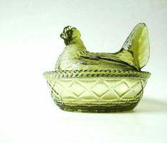 479753e1c33 Glass Chicken Hen on Nest Westmoreland Glass Vintage Green HON