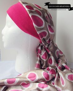 Daydream Believers: Updated Chemo Cap–Head Scarf Tutorial Diy Head Scarf, Head Scarf Tutorial, Chemo Caps Pattern, Scarves For Cancer Patients, Sewing Patterns Free, Hat Patterns, Free Sewing, Bandanas, Crochet Hats