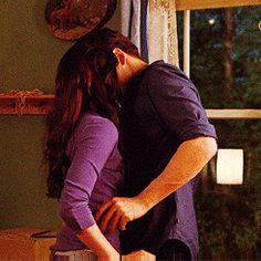 Breaking Dawn part 1 Scene Couples, Cute Couples Kissing, Couples In Love, Romantic Couples, Twilight Saga Series, Twilight Edward, Twilight Movie, Edward Bella, Romantic Kiss Gif
