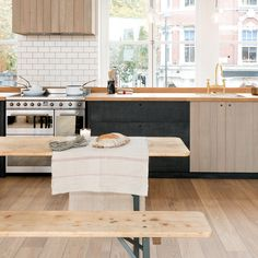 Simple Home Decoration Ideas Emily Henderson Updated Kitchen Trends 2018 Updated Beadboard Home Decoration Ideas Emily Henderson Updated Kitchen Trends 2018 Updated Beadboard Cute Kitchen, New Kitchen, Kitchen Decor, Urban Kitchen, Closed Kitchen, Kitchen Small, Room Kitchen, Small Bathroom, Bathroom Ideas