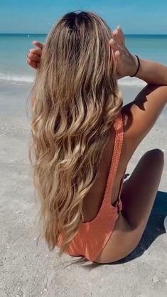 Beach Hair Updo, Beach Day Hair, Beach Hairstyles For Long Hair, Swimming Hairstyles, Pool Hairstyles, Summer Hairstyles, Easy Hairstyles, Beach Bun, Boat Hair