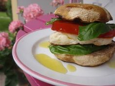 Vegetarian Burger: Mushrooms, Halloumi, Tomato and Basil