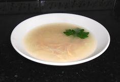 ♥ Mimos de Mãe ♥: Canja de galinha com aletria Chocolate, Soup, Ethnic Recipes, Ethnic Food, Chocolates, Soups, Brown
