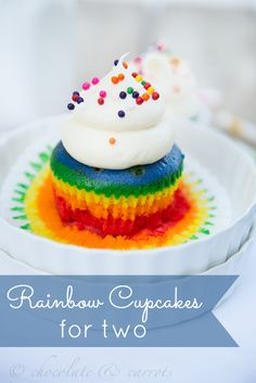 Rainbow Cupcakes for Two. This recipe make only two cupcakes, which will be enough to satisfy your sweet tooth and have perfect portion control. Cupcakes Arc-en-ciel, Rainbow Cupcakes, Yummy Cupcakes, Rainbow Frosting, Baking Cupcakes, Birthday Cupcakes, Yummy Treats, Delicious Desserts, Sweet Treats