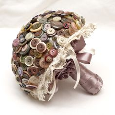 #WeddingWednesday! #WeddingHour Our favorite thing this week is handmade bouquets! Often overlooked AND one of the most expensive parts of your wedding (Bridal, toss, x? bridesmaids, etc.) bouquets are a beautiful accent to your dresses, pictures AND decor! A great way to save on cost and have something you can treasure forever is opting for a synthetic flower bouquet. www.aweddingonabudget.com