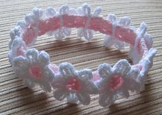 Baby Knitting Patterns Headband Crochet Headband with White Daisies Crochet pattern by Yelena Chen Crochet Headband Pattern, Crochet Flower Patterns, Baby Patterns, Crochet Flowers, Knitting Patterns, Pattern Baby, Crochet Leaves, Pattern Flower, Crochet Ideas