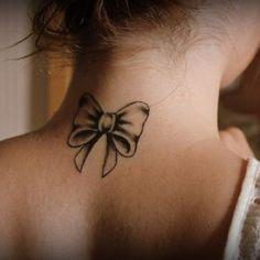 15 inspirations féminines du tatouage de noeud