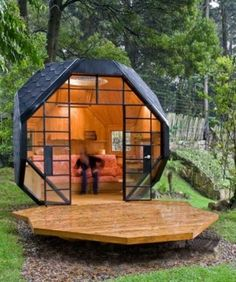 Interesting shape for a studio or tiny house!