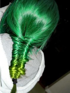 I don't really like the color green but I love this!
