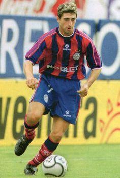 Raúl Estevez.Campeón con San Lorenzo de Almagro en Torneo Clausura 2001 y Copa Mercosur 2001. Campeón con Boca Juniors en Copa Libertadores de América 2003 y Torneo Apertura 2003.