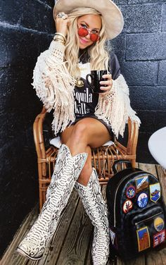 Cowgirl Outfits, Chic Outfits, Trendy Outfits, Summer Outfits, Fashion Outfits, Western Outfits Women, Country Style Outfits, Over Boots, Looks Cool