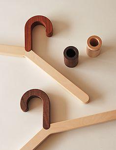 wood coat hanger ● Koizumi Studio