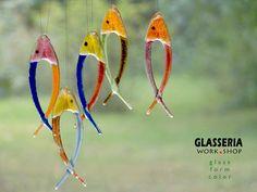Schöne Fensterdekoration oder den Garten. Geeigneter, um Pflanzen zu schmücken. Die tiefen, satten Farben. Verschiedenen Farben. *Um andere Produkte schnell zu finden in dieser Serie - geben...