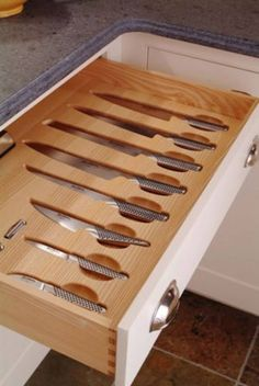 I saved this picture of knife drawer insert for global knifes but can't find it…