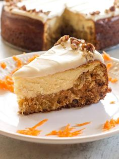 Carrot Cake Cheesecake - a layer of carrot cake topped with a layer of cheesecake for the ultimate dessert A copycat Cheesecake Factory recipe cheesecake factory carrot cake dessert recipe easter Cheesecake Factory Carrot Cake, Cheesecake Factory Recipes, Cheesecake Desserts, Cheesecake Bites, Carrot Cake Topping, Best Carrot Cake, Carrot Cakes, Delicious Desserts, Dessert Recipes