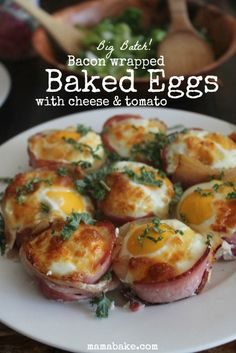 Bacon Wrapped Baked Eggs - easy and IMPRESSIVE! www.mamabake.com