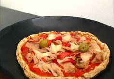 """Pâte à pizza sans gluten sans levée - """"Ingrédients pour 1 personne (multiplier les doses pour plusieurs) – 25 g de farine de sarrasin – 25 g de farine de riz complet – 1 c. à café de bicarbonate de soude – 20 ml d'eau tiède – 10 g de purée d'oléagineux (ou 5 ml d'huile d'olive) – 1 c. à café de vinaigre de cidre – sel. // Temps de préparation : 15 minutes Temps de cuisson : 20 minutes"""""""