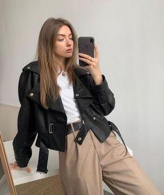 Look Fashion, Korean Fashion, Winter Fashion, High Fashion, 90s Fashion, Fashion Women, Vintage Fashion, Classy Fashion, Fashion Hair