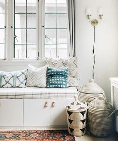 10 Ways to Fake a Window Seat Even as a Renter: DIY bench from Wit & Delight is a storage dream Home Decor Bedroom, Diy Bench, Furniture, Window Seat, Home, Interior, Home Office Storage, Home Decor, Diy Storage Bench