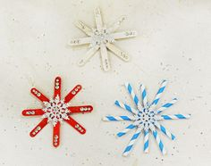 Make Snowflakes Using Party Straws and Popsicle Sticks #Christmas