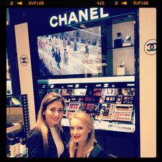 Chanel. Maquillage in Dubai . . .
