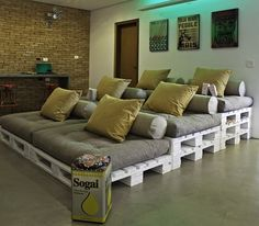 home_theater_pallets