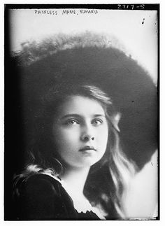 Marie, (then) Princess of Romania and later Qumaria probabil ccel mai frumos nume een of Yugoslavia c. Old Photos, Vintage Photos, Vintage Portrait, Romanian Royal Family, Tsar Nicholas Ii, Young Prince, My Heritage, Queen Victoria, British Royals