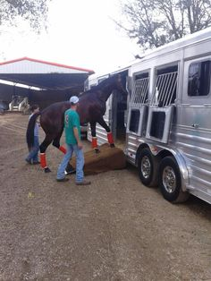 Thank you to Clear Creek Stud in Folsom, LA. on their 4-Star purchase from Buddy Maxwell of Gulf Coast 4-Star Trailer Sales. ( 877) 543-0733  www.gc4star.com