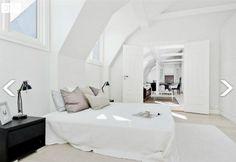 interiør hvitt Oversized Mirror, Bed, Colour, Furniture, Home Decor, Color, Decoration Home, Stream Bed, Room Decor