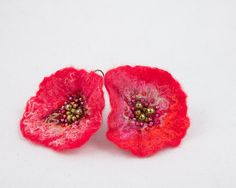 Boucles d'oreilles Fleur  Fleur en laine feutrée et par Corbillon