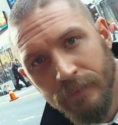 Wrinkles + sweet eyes + beard = I totally  love him ❤